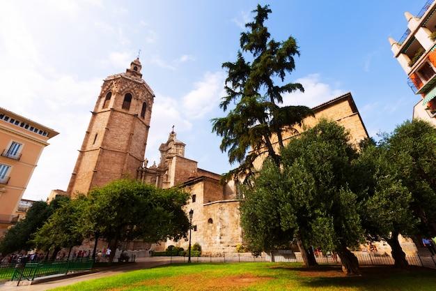 Wieża micalet i katedra. walencja, hiszpania