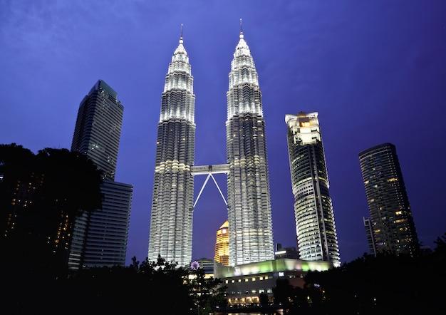 Wieża petronas w nocy