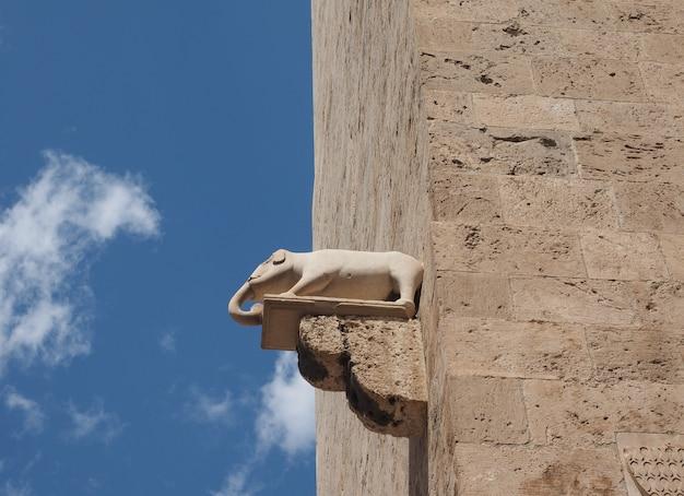 Wieża słonia w cagliari