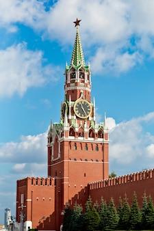 Wieża spasskaya na placu czerwonym w moskwie