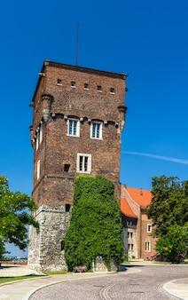 Wieża zamku królewskiego na wawelu w krakowie