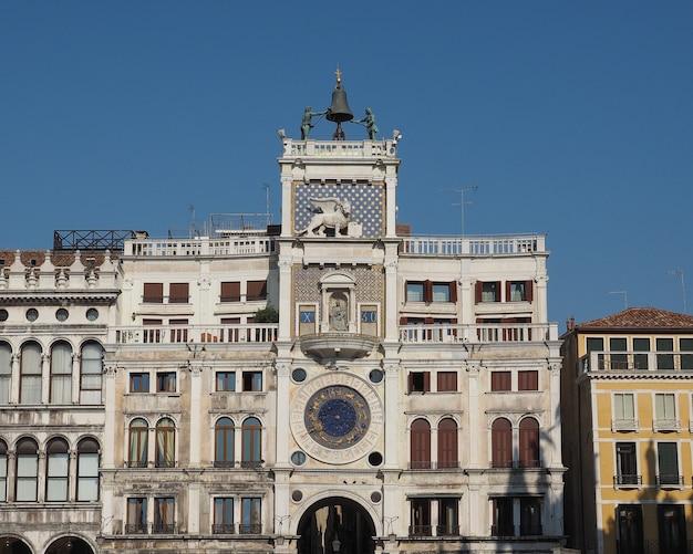 Wieża zegarowa św. marka w wenecji