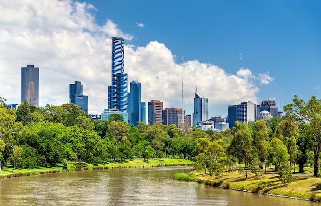 Wieżowce melbourne central business district w australii