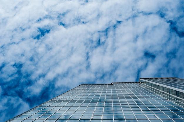 Wieżowiec dla biur biznesowych