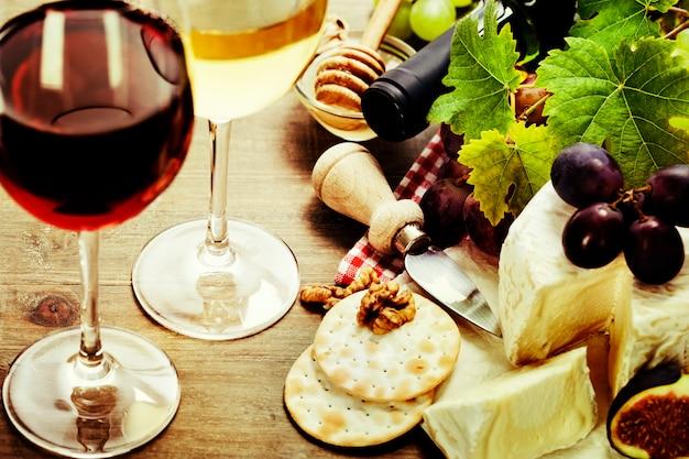 Wino, winogrona i ser