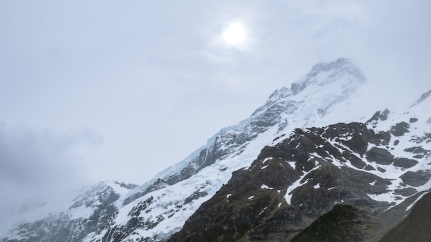 Winterstorm na szczytach aoraki mt cookmt cook nowa zelandia