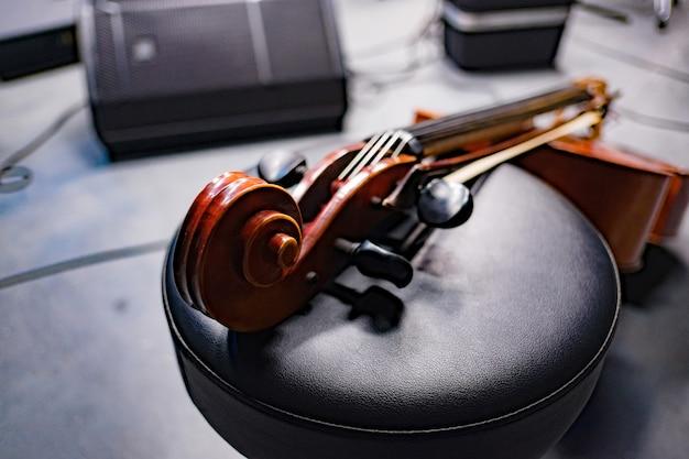 Wiolonczela w studio nagrań