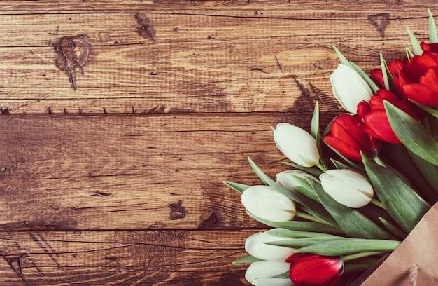 Wiosenne kwiaty tulipan tło