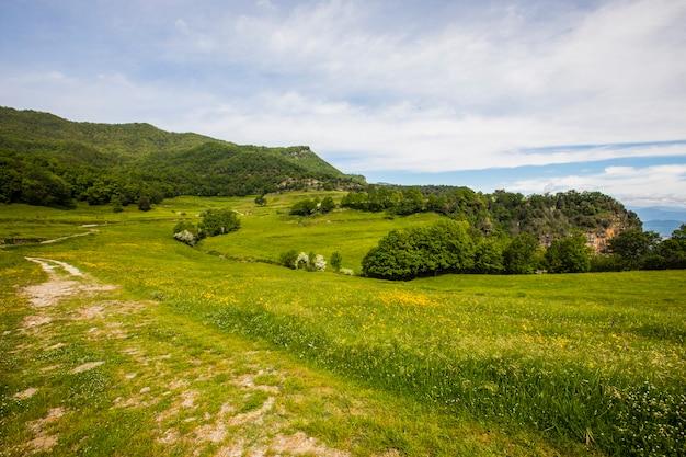 Wiosenny krajobraz w falgars d en bas