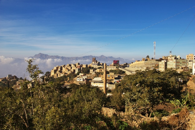 Wioska al-mahwit w górach, jemen