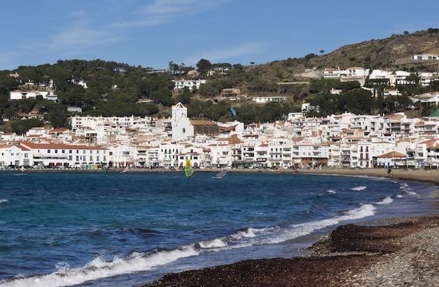 Wioska el port de la selva, costa brava, prowincja girona, katalonia, hiszpania