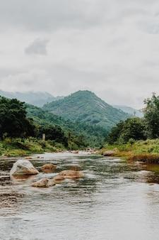 Wioska kiriwong. jedna z najlepszych wiosek na świeżym powietrzu w tajlandii i żyje w starej kulturze tajskiej. znajduje się w nakhon si thammarat na południu tajlandii