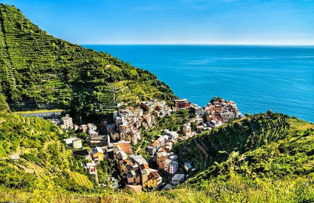 Wioska manarola w cinque terre na liście światowego dziedzictwa unesco we włoszech