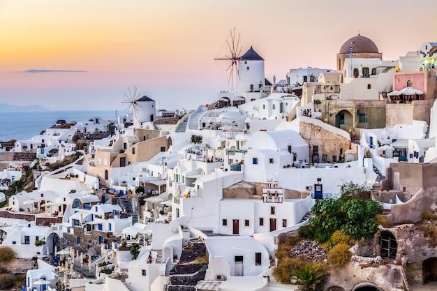 Wioska oia, wyspa santotini, grecja