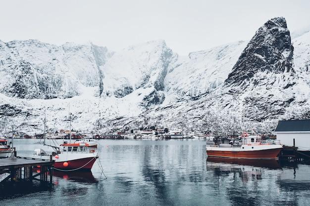 Wioska rybacka reine, norwegia