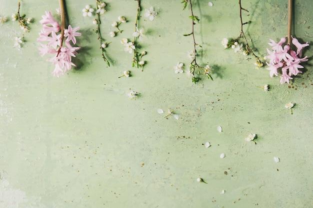Wiosną kwitnąca gałąź