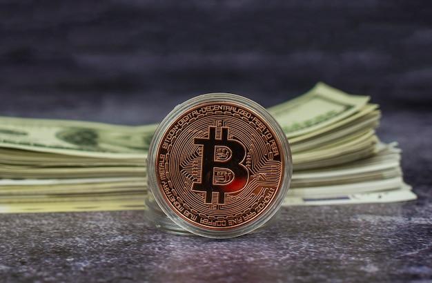 Wirtualna waluta internetowa moneta bitcoin złoto