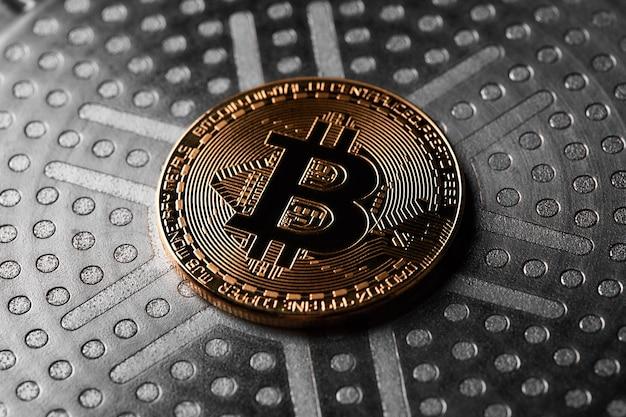 Wirtualne pieniądze bitcoiny. koncepcja światowej kryptowaluty.