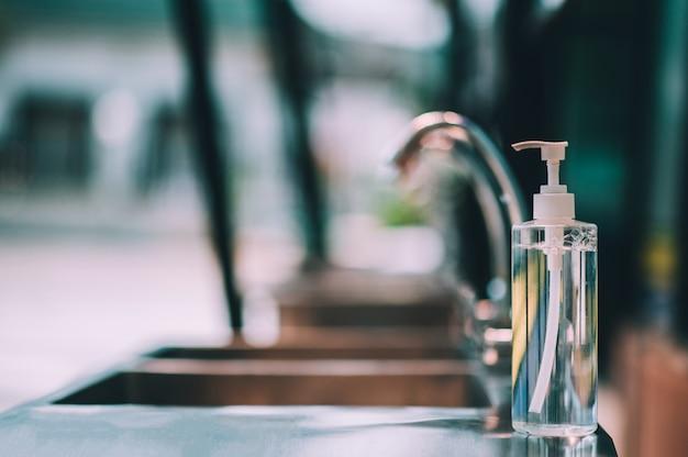 Wirus koronowy do czyszczenia rąk mydłem w płynie 2019