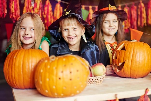 Witch, pumpkin and wizard - wyglądają uroczo