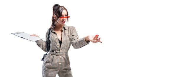 Wizerunek kobiety w garniturze