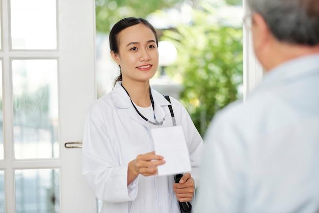Wizyta lekarza w domu