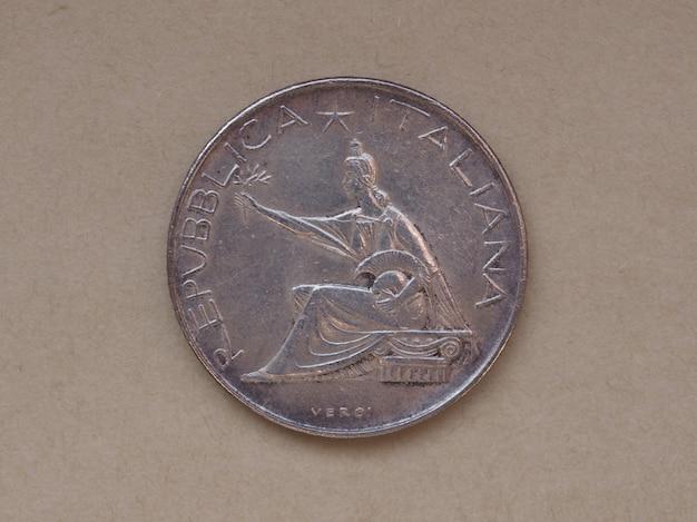 Włoska moneta 500 lirów
