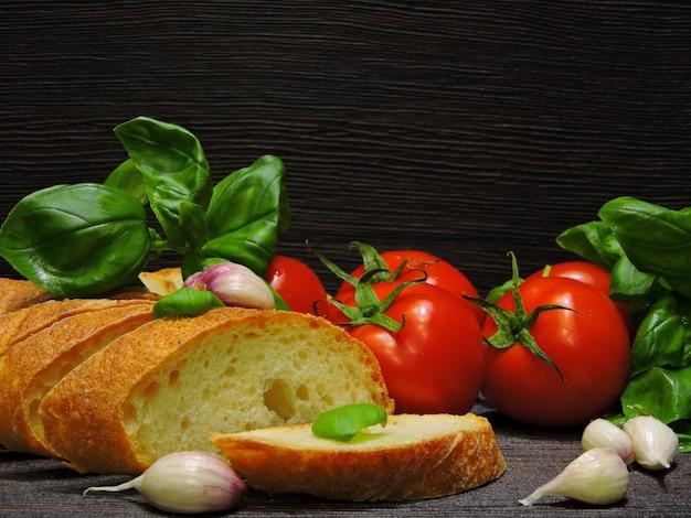 Włoski przepis na bruschettę.