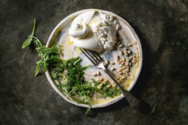 Włoski ser burrata