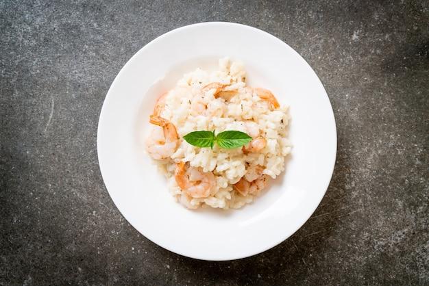Włoskie risotto z krewetkami