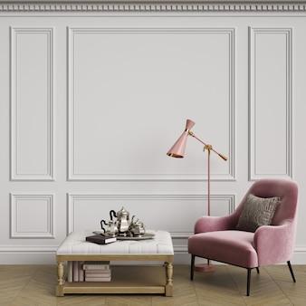 Wnętrze cassic z różowym fotelem i lampą podłogową
