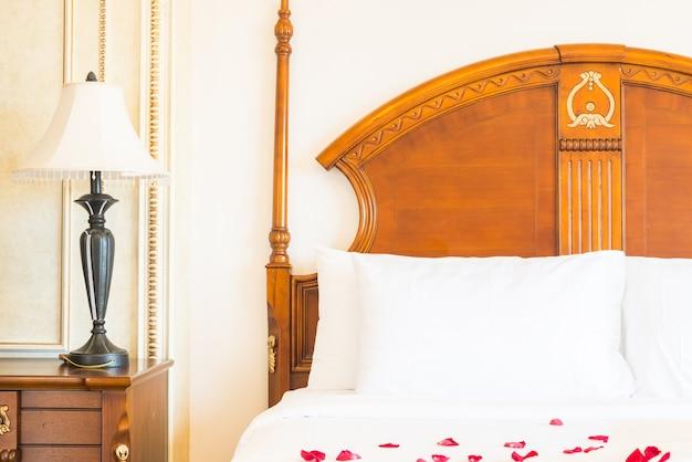 Wnętrze sen sypialnia sypialnie przyłóżkowo