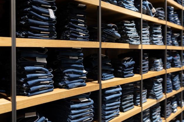 Wnętrze strzelający moda odzieżowy sklep