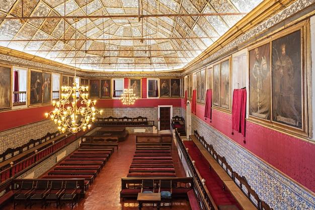 Wnętrze uniwersytetu w coimbrze