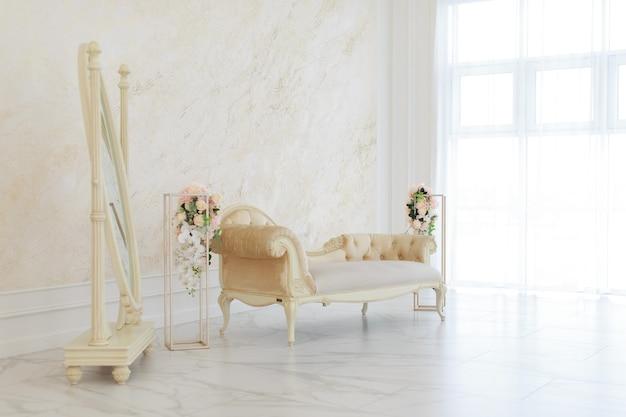 Wnętrze w stylu barokowym, empirowym. pokoje w jasnych kolorach: marmurowa podłoga, duże okna, mała kanapa, żyrandol