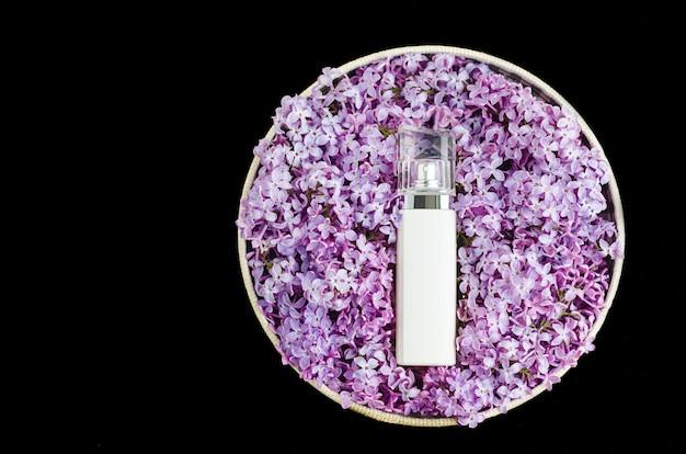 Woda perfumowana o kwiatowym aromacie