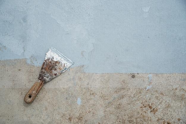 Wodoodporna farba akrylowa hydroizolacja hydroizolacja na posadzce cementowej za pomocą kielni