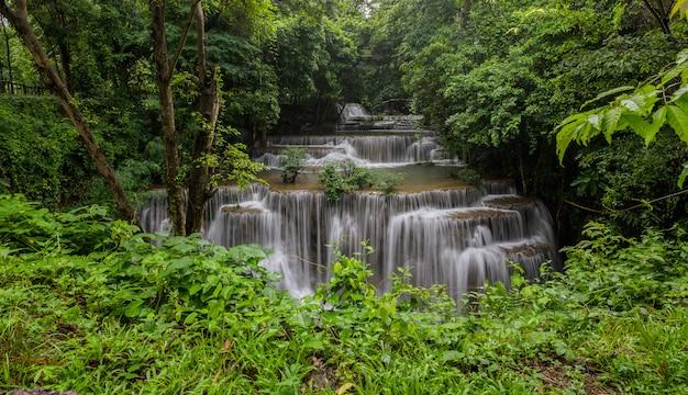 Wodospad będący warstwą w tajlandii