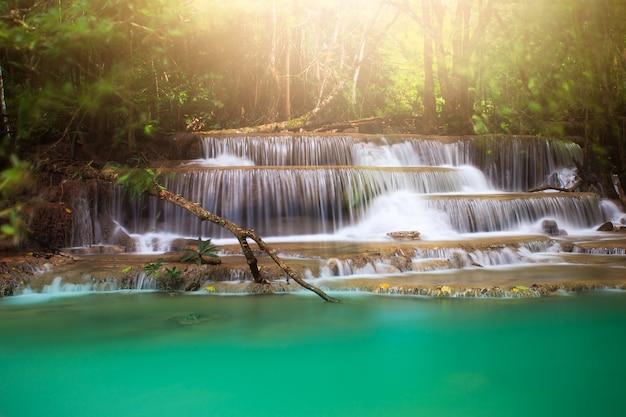 Wodospad huay mae kamin tajlandia
