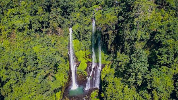 Wodospad na bali, wodospad sekumpul, bali, indonezja