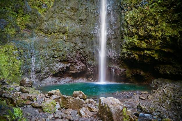 Wodospad na końcu lewady