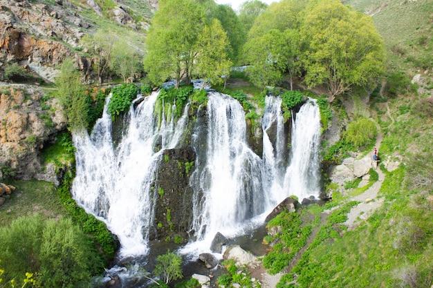 Wodospad shaki w aremeni. widok z góry