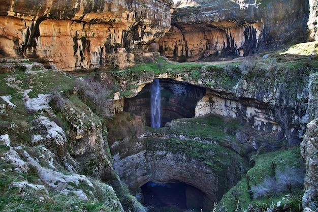 Wodospad wąwozu baatara w libanie