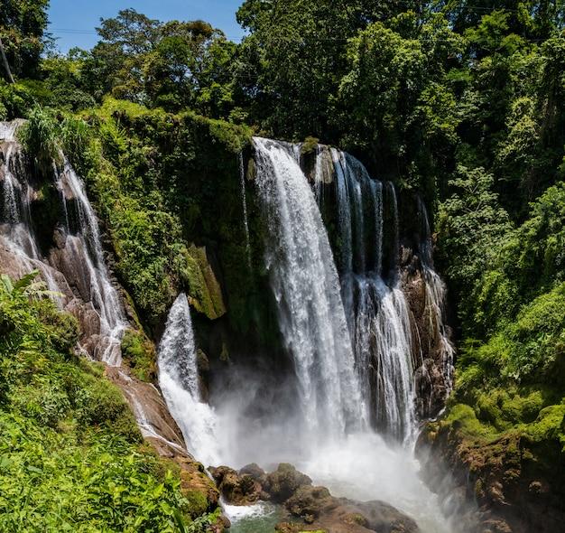 Wodospady hondurasu pulhapanzak