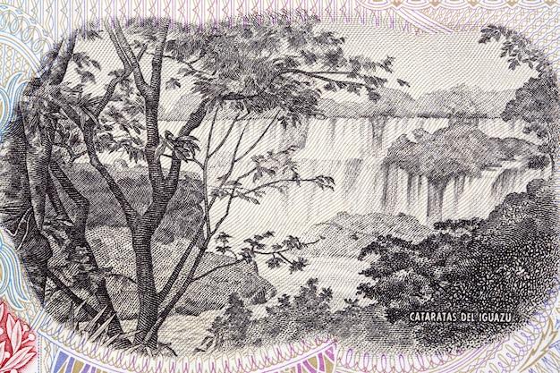 Wodospady iguazu z argentyńskich pieniędzy