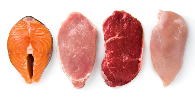 Wołowina, wieprzowina, kurczak, ryba na białym tle