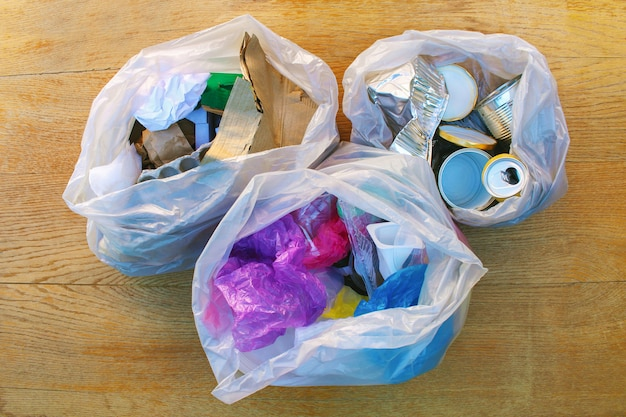 Worek na śmieci z odpadkami