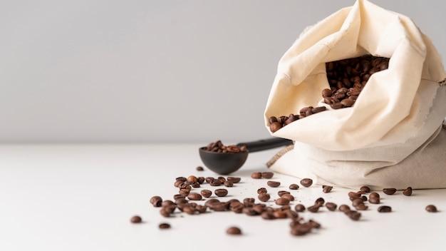 Worek z konopi z ziaren kawy