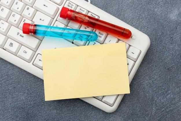 Wpisywanie notatek medycznych badania naukowe plany leczenia badanie wirusów medycyna testy laboratoryjne analizowanie wirusów przeglądanie wirusów planowanie internetu badania