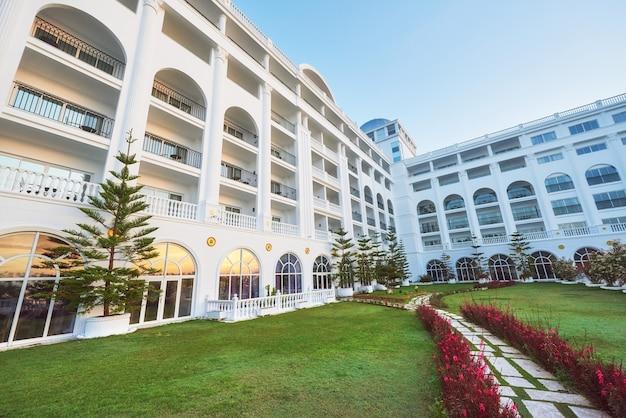 Wpisz luksusowy hotel amara dolce vita luxury hotel